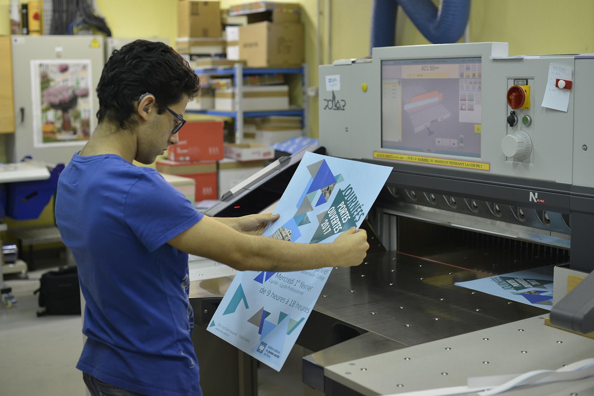 cf0438db3189 Production imprimée   INJS Paris