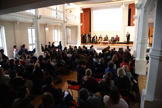 La conférence a fait salle comble