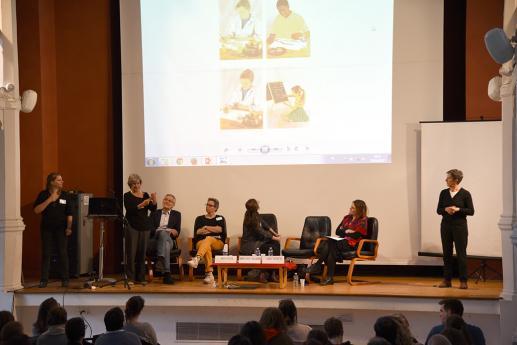 Les intervenants ont illustré leurs propos de powerpoints et de vidéos