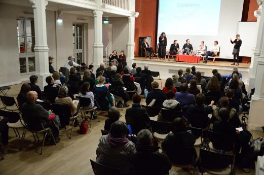 """La conférence """"L'accès à l'emploi"""" dans la Salle des Fêtes de l'INJS de Paris"""
