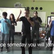 """Interprétation de la chanson de John Lennon """"Imagine"""" par les élèves de 4èmeC"""